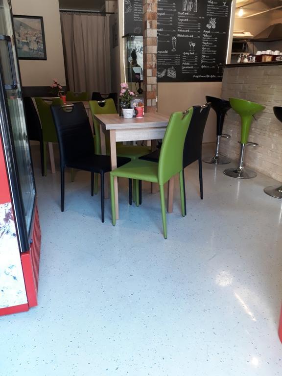 műgyanta padló étterembe